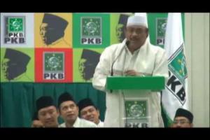 Ceramah Kiai sepuh / Pengasuh Pondok Pesantren Al Mahbubiyah, KH Manarul Hidayat dalam acara puncak Haul Gus Dur ke 5